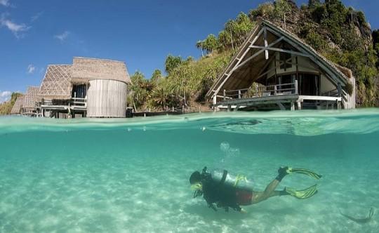 Misool eco resort, complexe de vacances avec plongée sous-marine en Indonésie