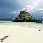 Misool eco resort, plage Nord sur l'île de Raja Ampat (Indonésie)
