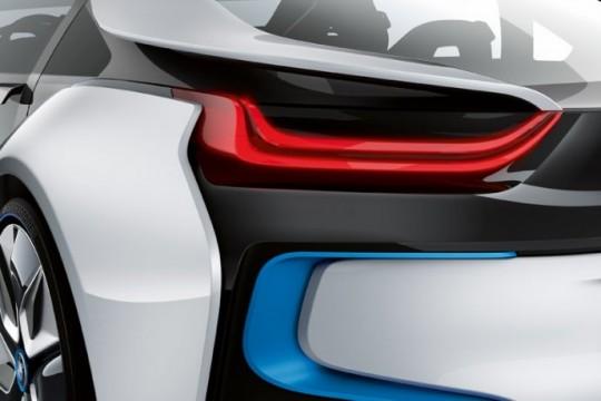BMW i8, feu arrière à LED