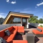 Terrasse plein ciel sur le toit de la maison Shield House