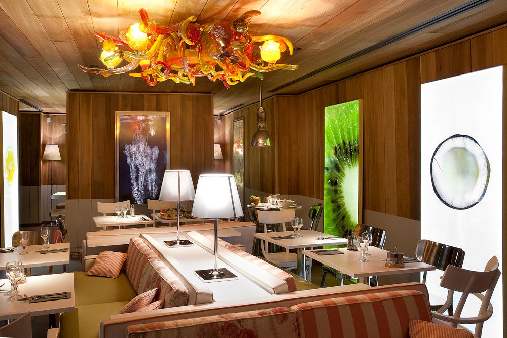 restaurant paradis du fruit roots philippe starck. Black Bedroom Furniture Sets. Home Design Ideas