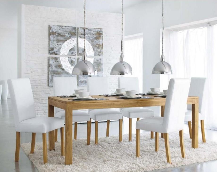 Une table d ner en teck massif pas ch re chez maisons du for Maison du monde table
