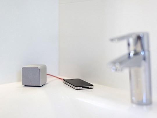 NuForce Cube, haut-parleur en forme de cube pour iPhone / iPod