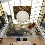 Séjour avec très grande hauteur sous-plafond dans un appartement New-Yorkais