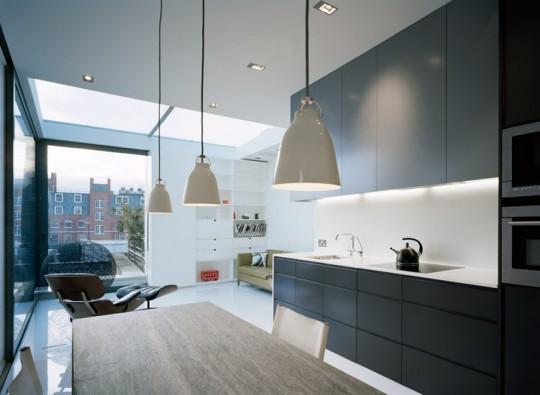 Cuisine américaine moderne dans un appartement à Soho (Londres)
