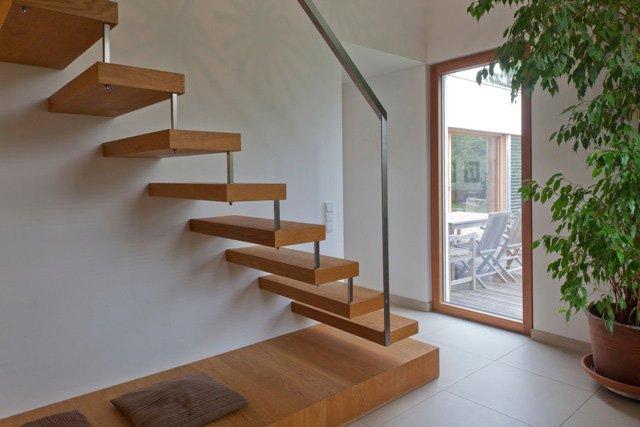 escalier en bois avec rembarde en aluminium. Black Bedroom Furniture Sets. Home Design Ideas