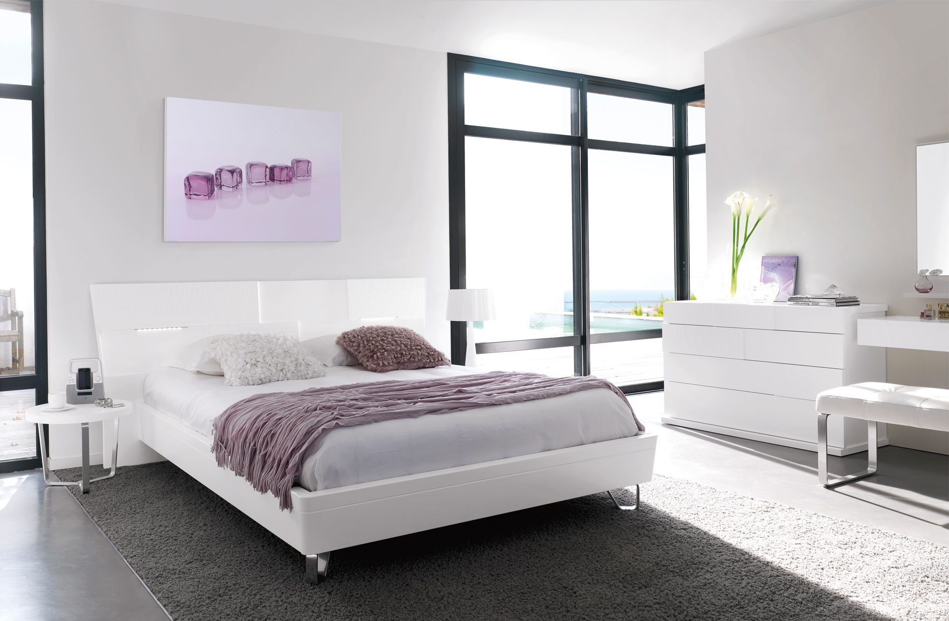 Ambiance d co chambre blanche et grise gautier alisa for Chambre a coucher adulte blanche