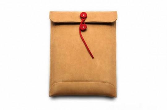 Housse pour ordinateur portable en forme d'enveloppe Par avion | Shuk Yee