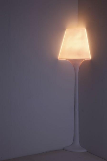 Lampadaire d'angle design