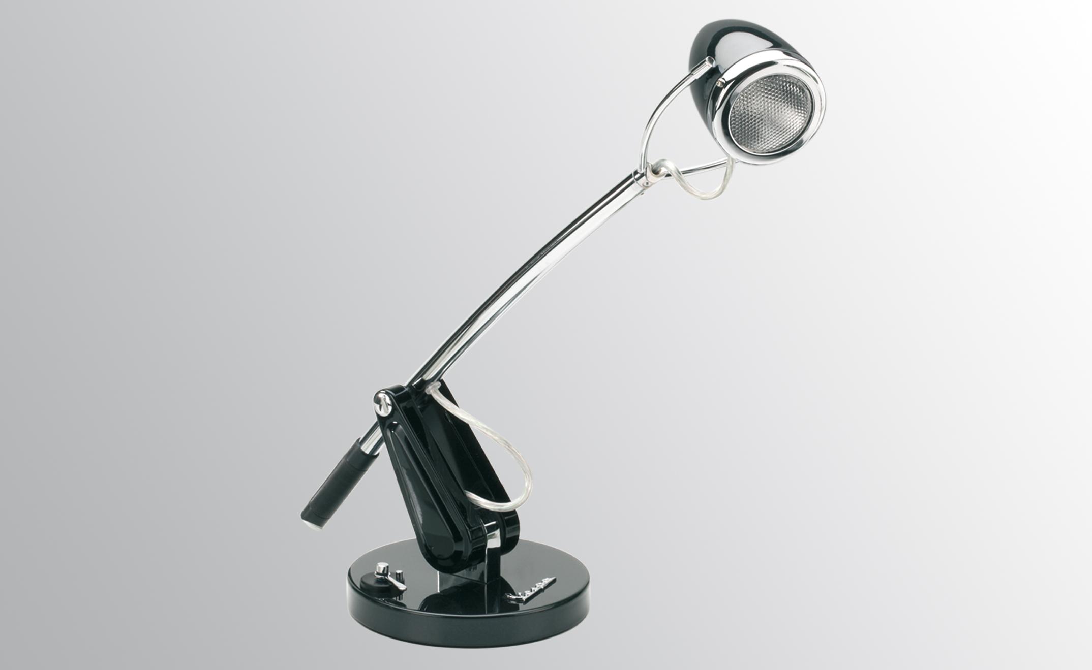 Lampe de bureau rétro avec un phare de Vespa