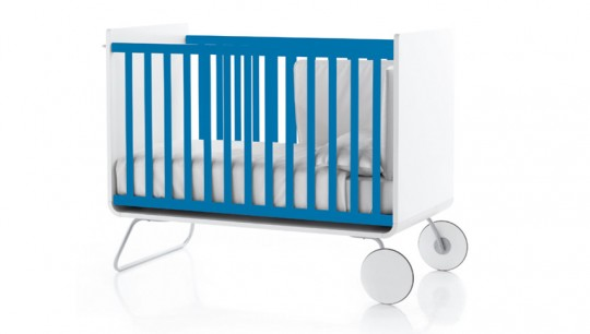 Lit évolutif pour bébé bleu et blanc Be Cot