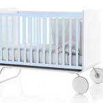 Lit évolutif pour bébé design bleu ciel et blanc Be Cot