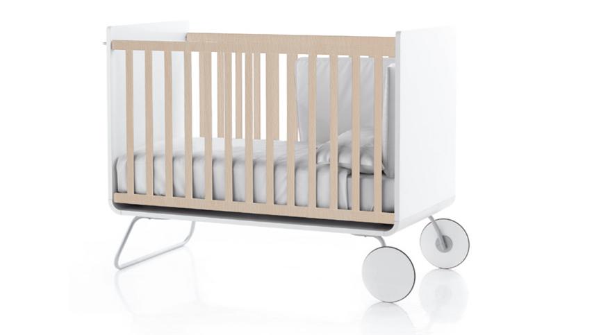 lit volutif pour b b en bois naturel be cot. Black Bedroom Furniture Sets. Home Design Ideas