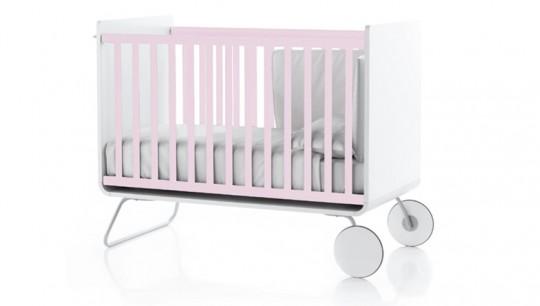 Lit à barreaux évolutif pour bébé rose pâle et blanc Be Cot