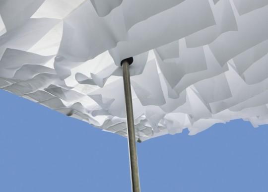 Sywawa Breezer | le parasol avec des drapeaux blancs