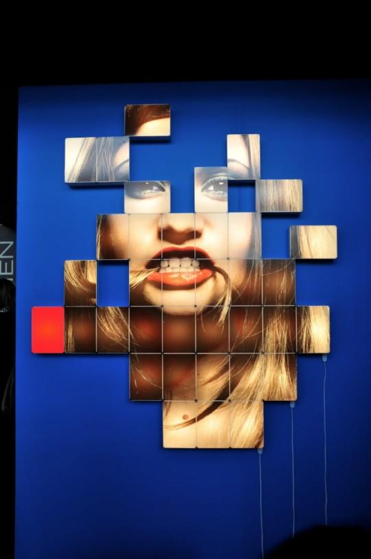 Photo wall avec des briques lumineuses | Remake design