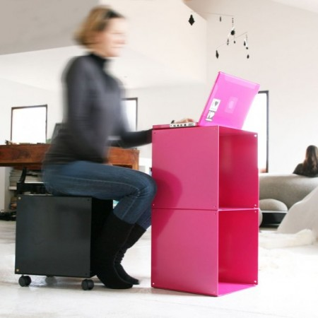 Quad minimal desk, mini bureau cubique rose