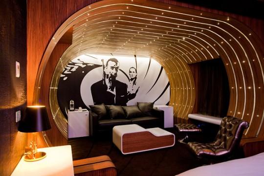 Visite de la suite 007 à l'hôtel Seven