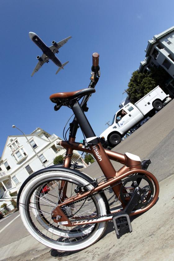Btwin Tilt 9 : Le vélo pliant en 1 seconde
