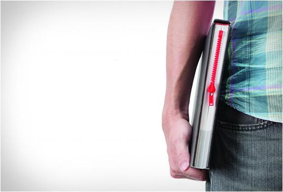 Zipmark : Le marque page original en forme de zip de fermeture éclair