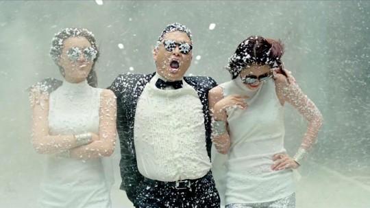 Déco de Noël Gangnam Style (sous la neige)
