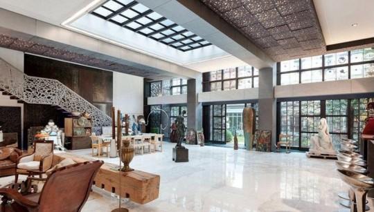 Déco du salon de l'hötel particulier de Depardieu