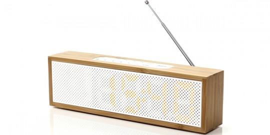 Lexon Titanium : radio réveil en bambou