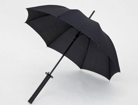 parapluie sabre de samoura le katana qui prot ge de la pluie. Black Bedroom Furniture Sets. Home Design Ideas