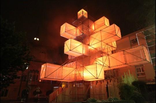 Sapin de Noël design par 1024 architecture