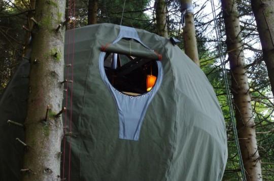 Tree Tent Luminaire : Tente dans un arbre