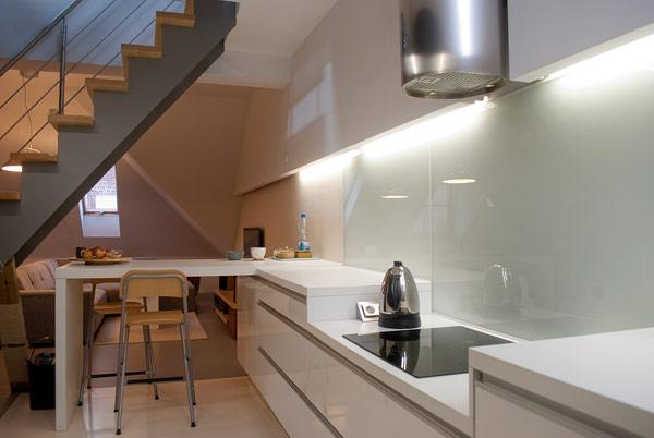 Cuisine contemporaine dans un appartement sous les combles - Appartement sous comble ...