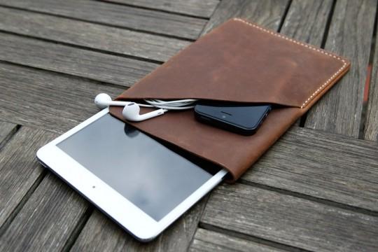 Housse en cuir brun pour iPad mini