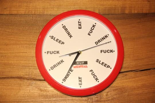 Horloge HUF et Skate mental rouge