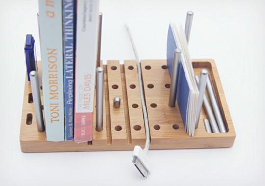 Modo : Organiseur de bureau modulable en bois avec des tiges en métal