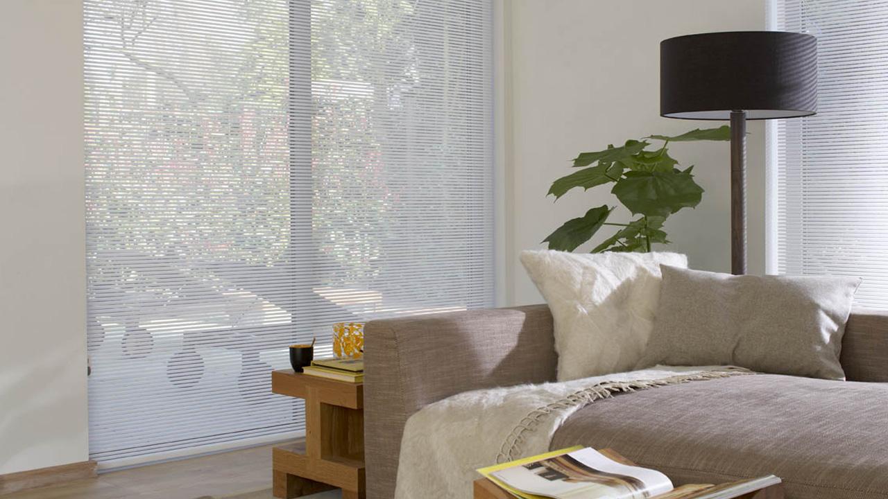 store contemporain blanc luxaflex. Black Bedroom Furniture Sets. Home Design Ideas