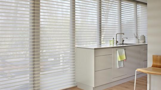 Store contemporain Silhouette blanc Luxaflex