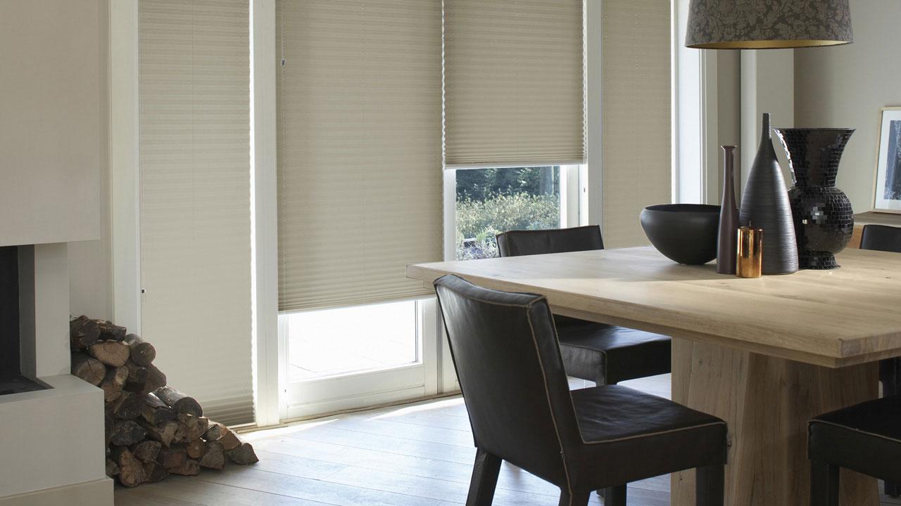 store en tissu pliss luxaflex. Black Bedroom Furniture Sets. Home Design Ideas