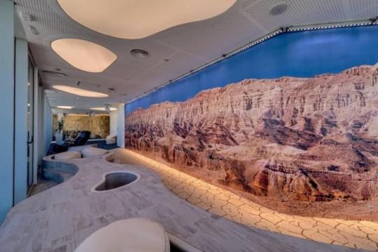 Les bureaux de Google à Tel Aviv : Décor naturel avec des rochers