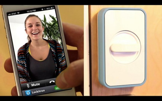 Doorbot + Lockitron : Pour voir qui sonne à votre porte et l'ouvrir avec votre iPhone