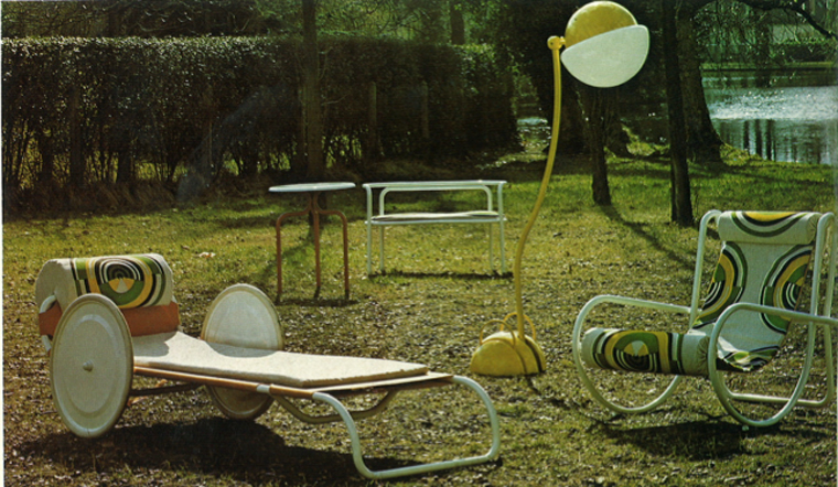 mobilier de jardin du film la piscine. Black Bedroom Furniture Sets. Home Design Ideas
