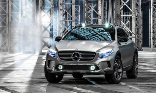 Mercedez Benz GLA concept car SUV compact feux à LED