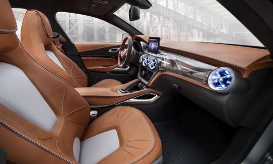 Mercedez Benz GLA concept car SUV compact : intérieur cuir camel