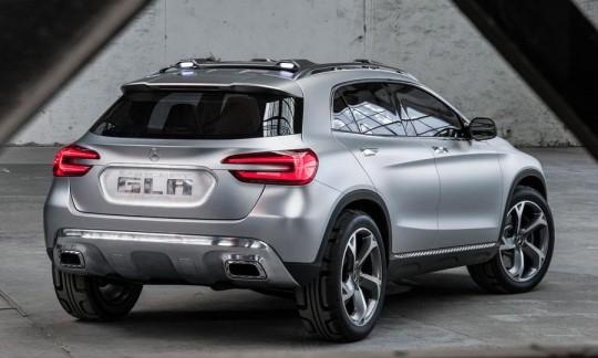 Mercedez Benz GLA concept car SUV compact (vue arrière)