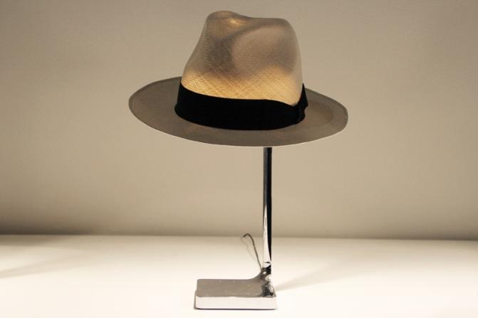 Coup de chapeau à Philippe Starck pour sa nouvelle lampe
