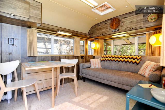 int rieur d 39 une caravane des ann es 70 aux usa. Black Bedroom Furniture Sets. Home Design Ideas