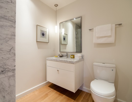 Salle de bain dans une maison des années 30 à San Francisco