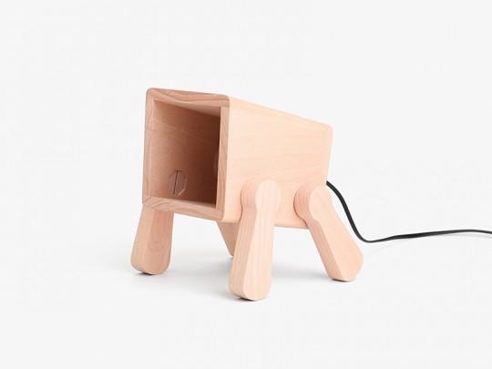 Franck le chiot lampe de bureau en bois par pana objects - Lampe chauffante chiot ...