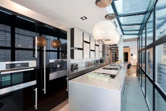 Cuisine design dans une villa contemporaine à Courbevoie