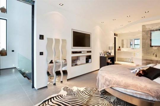 Villa esprit loft à Courbevoie : Suite parentale