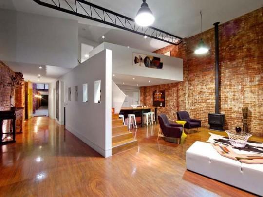 Loft 2 en 1 - Mezzanine blanche et murs en briques